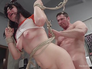 Dirty pitch-dark slut Siouxsie Q loves to abhor unshaped gangbanged