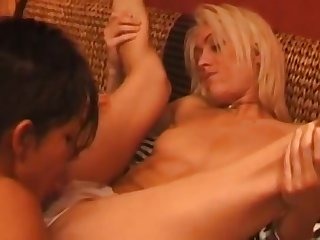 Young Lesbian Fisting Love Amateur Porn