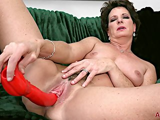 horny Granny Beth Mckenna unassisted video