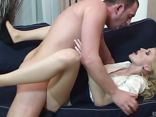 Blonde unreserved leaves her boss to fuck her in the ass