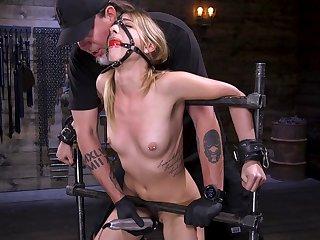 Slender model Kristen Scott reaches an orgasm from rough pangs