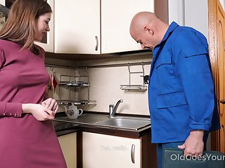 Elderly handy man enjoys shacking up pretty young housewife Eliza Thorne