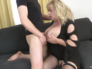Grown up slut plays with her large tits and gets nuisance fucked good