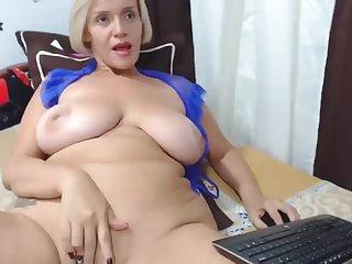 Aurous huge knockers cougar webcam masturbating solo
