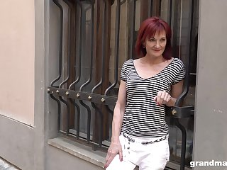 Real granny escort Claudia picks up two young guy on the tool along