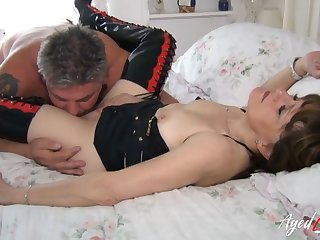 AgedLovE Sensual Session concerning Lusty Mature Lady