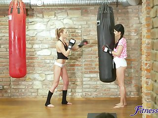 Serve chick Katy Rose gets fucked by her personal trainer at the gym