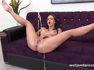 Insatiable milf Barbara Bieber is pissing and masturbating snatch