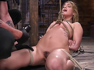 Small tits blonde Kristen Scott tied up and gets her pussy pleased