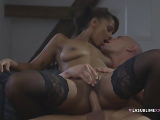 Isabella Chrystin In Ebony Girl With Stockings Gets Fornicateed